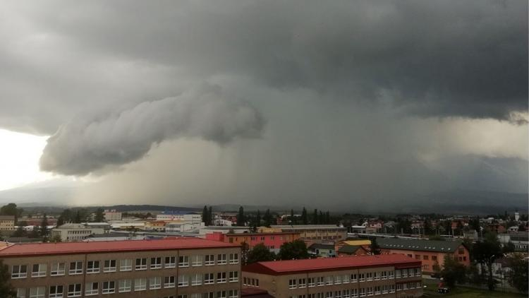 When an umbrella is not enough – discussing severe storms with Tomáš Púčik